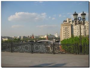 Вид с моста ведущего к Храму