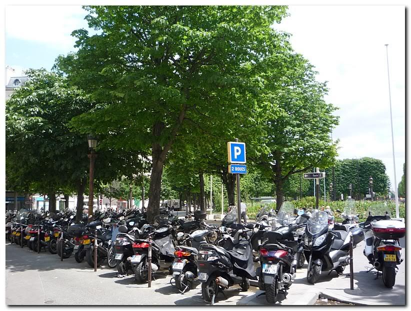 Мотоциклы и скутеры в Париже