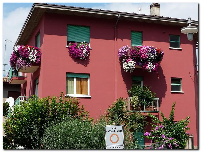 Питунья на балконах. Италия. Мальчезине