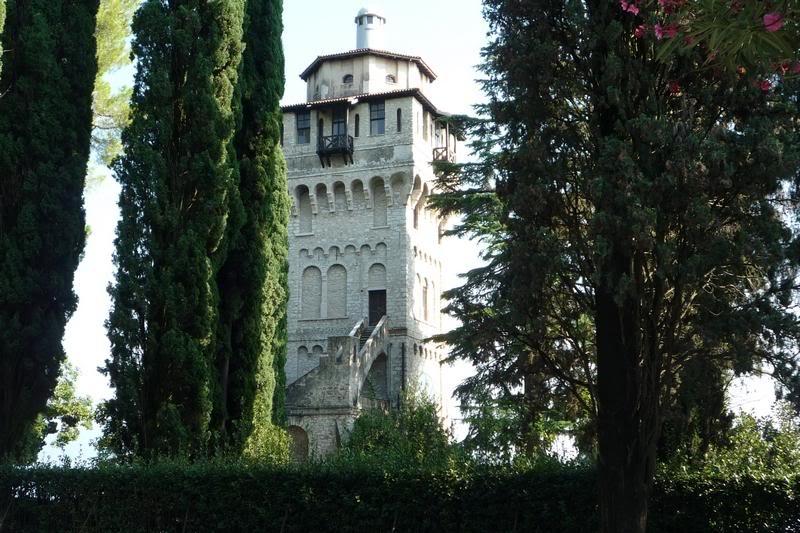 Башня Д'Аннунцио