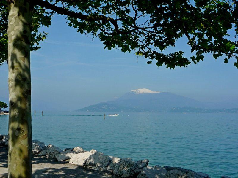 Озеро Гарда и гора Бальдо