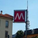 Указатель метро в Милане