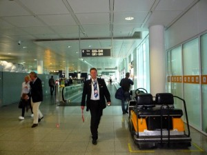сотрудник аэропорта