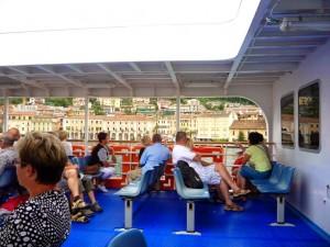 Пассажиры на открытой палубе