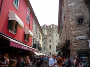 улочка ведущая к замку Скалигеров