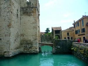 Мост в замок через ров